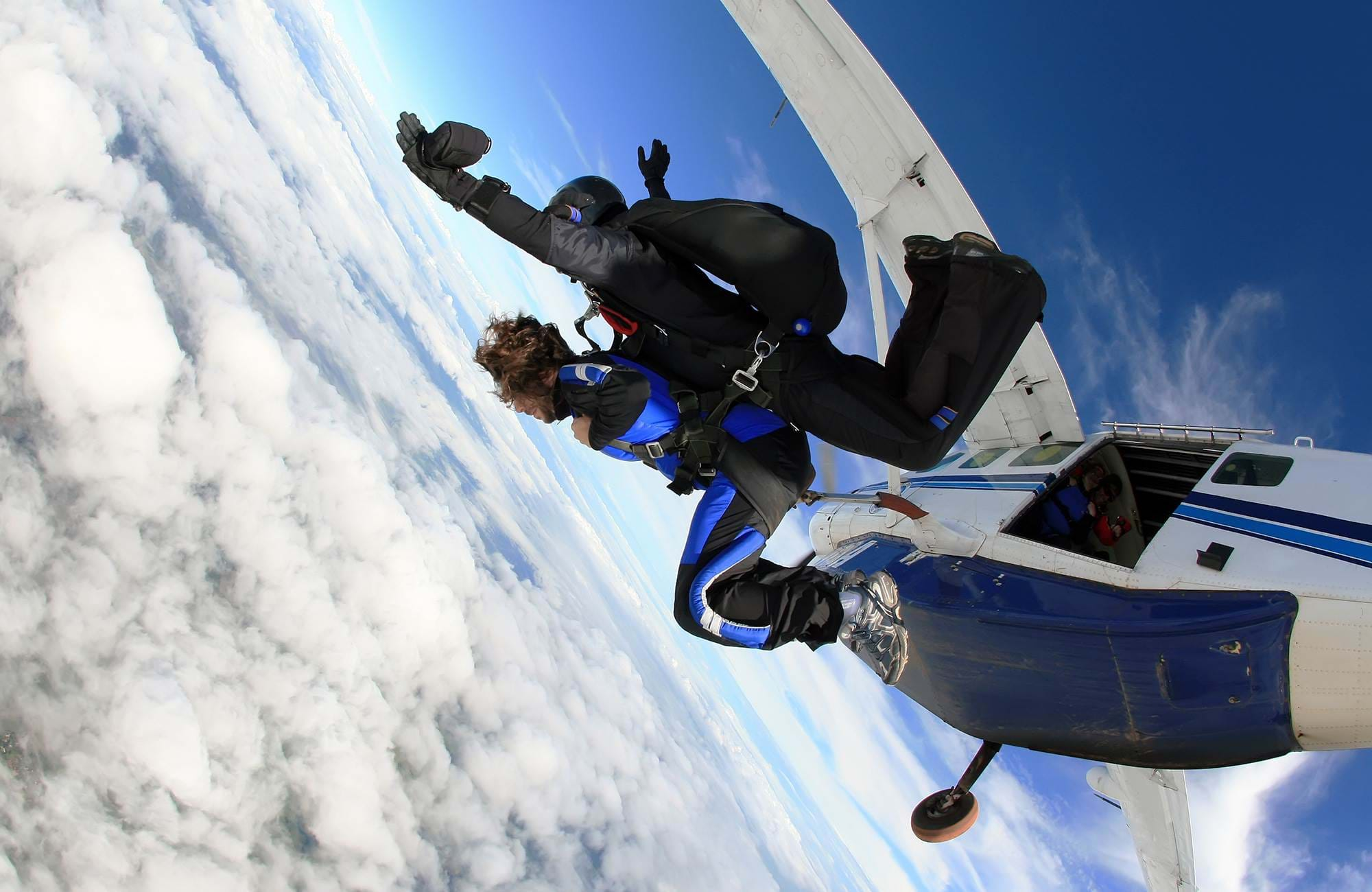 skydiving-out-of-airplane-cover