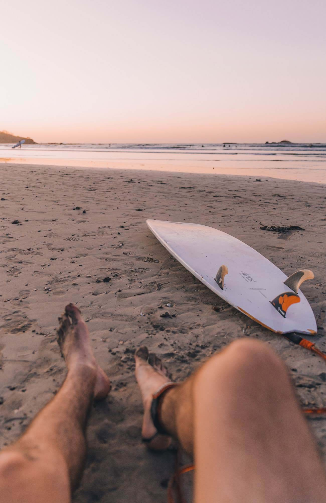 surfing-general-legs-surfboard-beach-sidebar