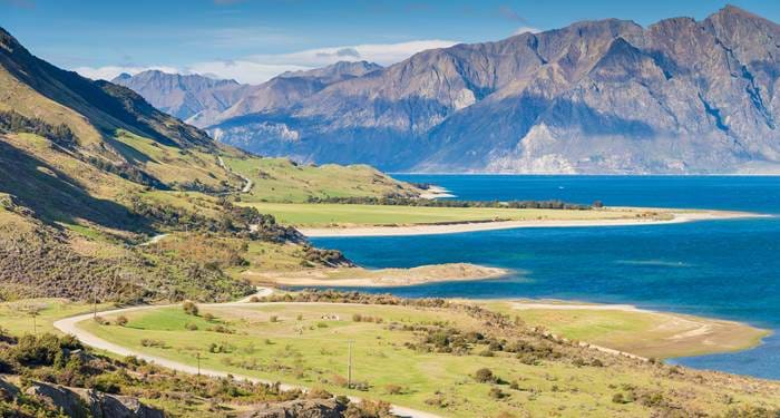 christchurch-new-zealand-mountanous-road-trip-view-cover