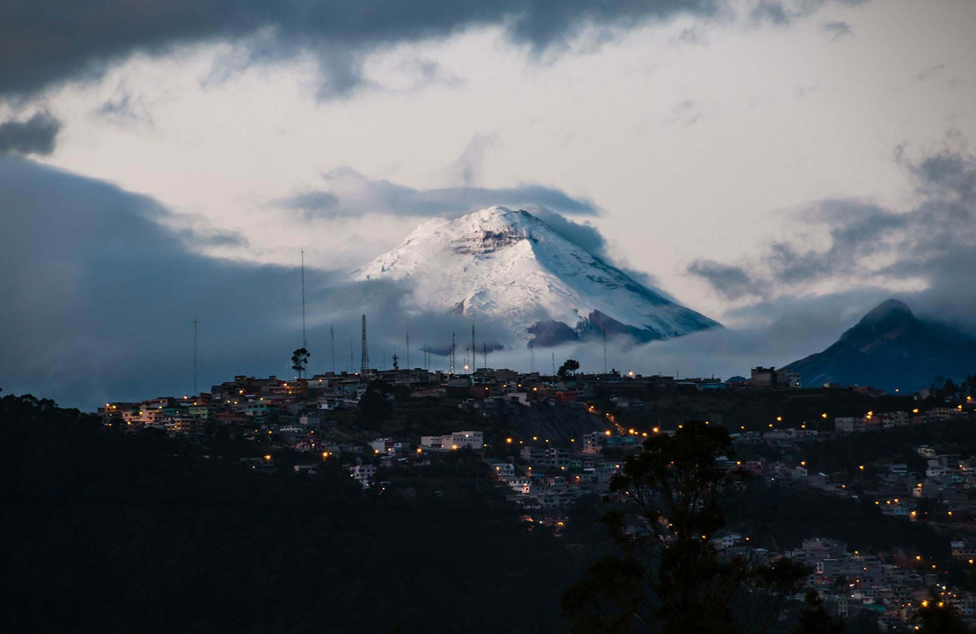 quito-ecuador-view-over-contopaxi-volcano-cover