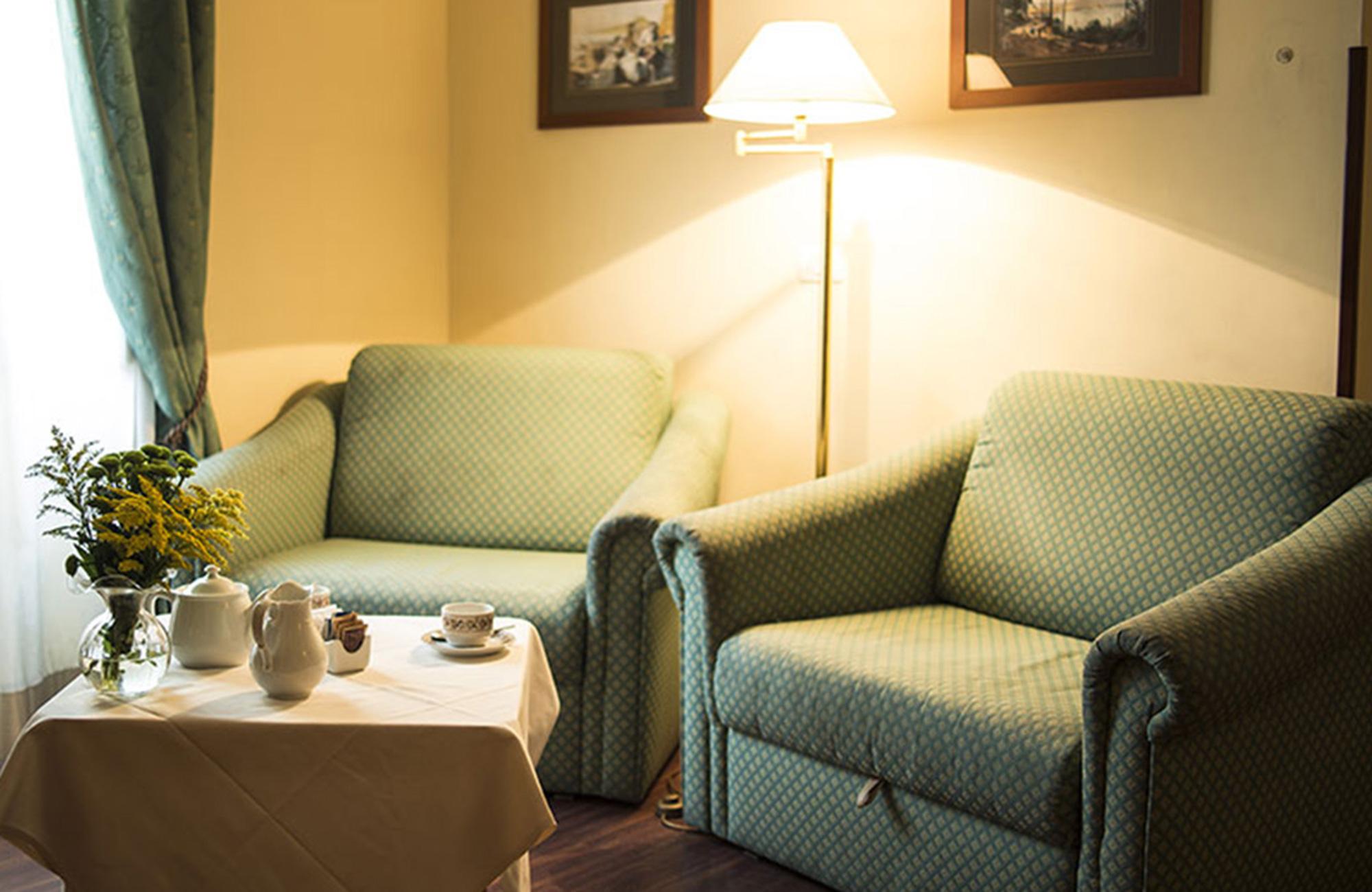 Hotel Real Orto Botanico Gruppresor Till Napoli Kilroy