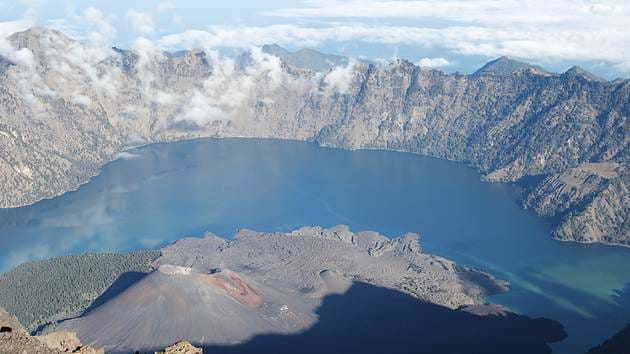 rinjani_climbing_1_1280x720_for_navi_web