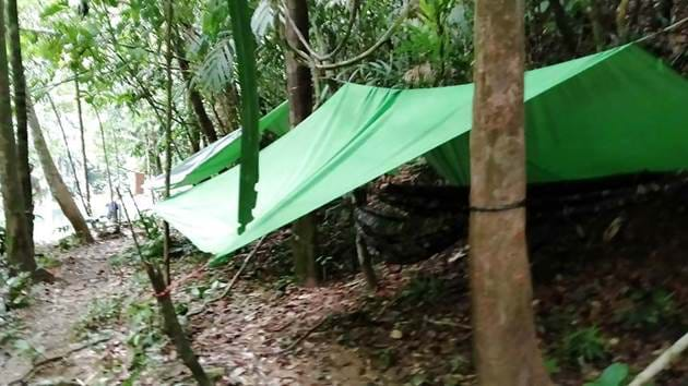 jungle-survival-camping-9