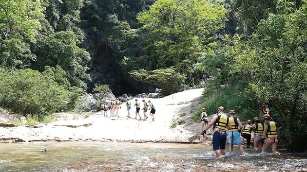 phong-nha-caving-adventure-5-days-10