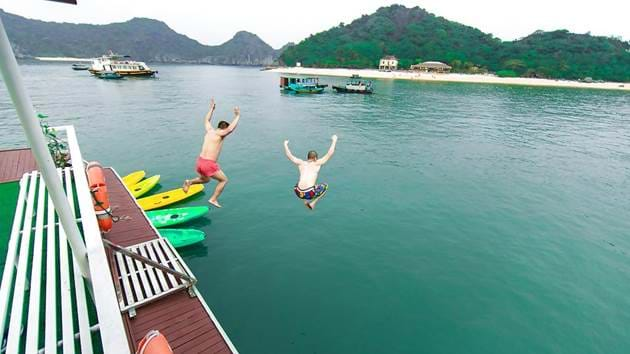 lan-ha-bay-and-cat-ba-island-cruise-2-days-3