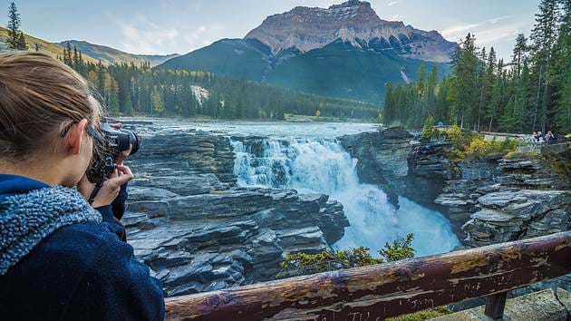 athabasca-falls-female-photographer_1280x720_for_navi_web